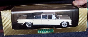 W273-1.1 . Vitesse L063A  Mercedes 600 Landaulet (4)