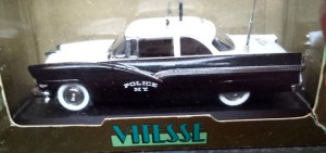W273-1.2  - Vitesse L092  Ford Fairlane 1956 Radar -Black n White  (3)