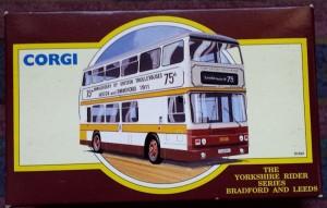 W285-5.2 -Corgi 91853 . The Yorkshire Rider Series Bradford & Leeds  75th Anniversary  (1)
