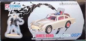 W50.21-674.1 -Corgi 04201  James Bond Collection  Aston Martin DB5 and Oddjob  figure  (1)