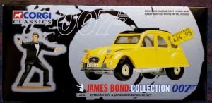 W50.21-674.6 -Corgi 65301 James Bond Collection  Citroen 2CV and Bond figure set   (1)
