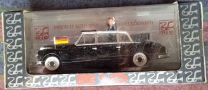 W874 - 37.1 . Rio 120  Mercedes Benz 300d Limousine 1963 . Adenaur and Kennedy  (4)