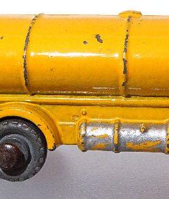 Matchbox 1.75 Reg - #11a ERF Tanker 52mm early version (2)