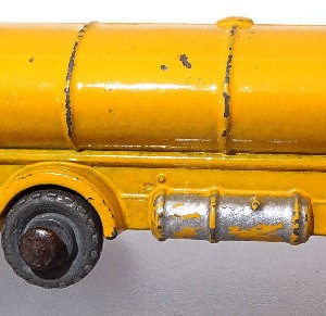 Matchbox 1.75 Reg - #11a ERF Tanker 52mm early version (2)