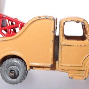 Matchbox 1.75 Reg # 13b -Bedford Wreck truck (2)
