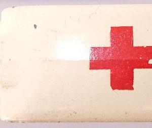 Matchbox 1.75 Reg # 14b - Daimler Ambulance 58mm Cream (2)