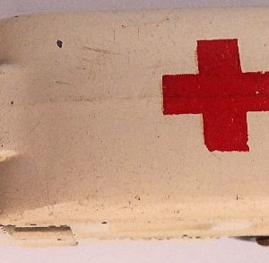 Matchbox 1.75 Reg # 14b - Daimler Ambulance 58mm Cream (7)
