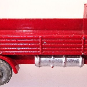 Matchbox 1.75 Reg # 20b ERF Stake Truck -57mm -red silver trim (3)