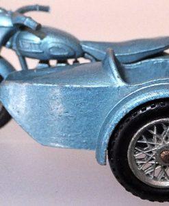 Matchbox 1.75 Reg - # 4c Triumph T110 Motorcycle and side car (4)