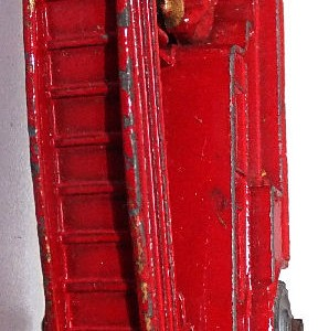 Matchbox 1.75 Reg # 9a - Dennis Fire Brigade -early version - gap below drivers feet (12)