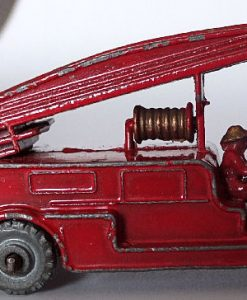 Matchbox 1.75 Reg # 9a - Dennis Fire Brigade -early version - gap below drivers feet (6)