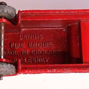 Matchbox 1.75 Reg # 9a - Dennis Fire Brigade - later version more pronounced front bumper (12)