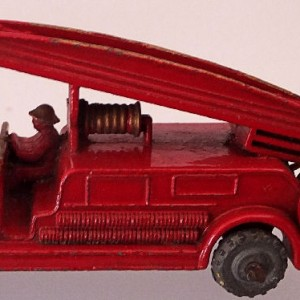 Matchbox 1.75 Reg # 9a - Dennis Fire Brigade - later version more pronounced front bumper