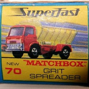 MB 70 Grit Spreader (1)