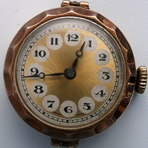 L636.7 - 9ct Gold Telephone Style Wristwatch