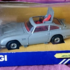 PMcA - 4.7 . Corgi C271 . James Bond Aston Martin DB5