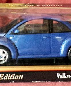W876 - 38 . Maisto 31875 VW Beetle (1)