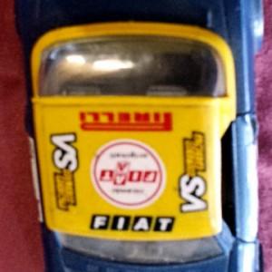 W899 - 43.52 . Burago 0127 . Fiat 124 Abarth