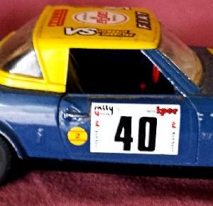 W899 - 43.52 . Burago 0127 . Fiat 124 Abarth (4)