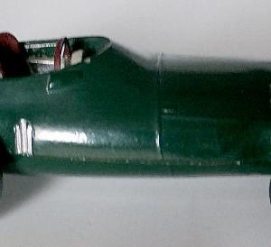 012 - 101 Corgi 150s Vanwall F1 Racing Car (1)