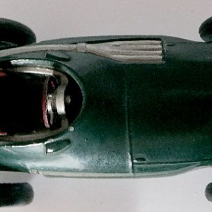 012 - 101 Corgi 150s Vanwall F1 Racing Car (2)