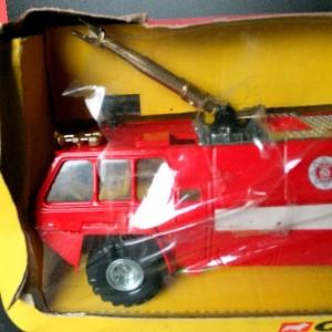 Jul 235.10  - Corgi 1118 - Chubb Pathfinder . Airport Fire Service (2)
