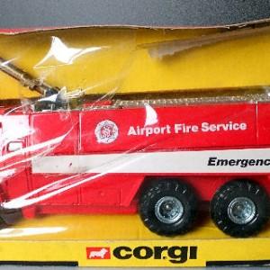 Jul 235.10  - Corgi 1118 - Chubb Pathfinder . Airport Fire Service