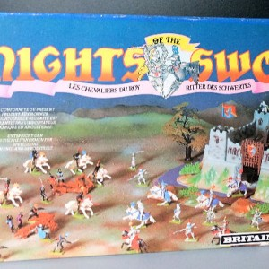 Jul 235.14  - Britains Knight of the Sword No. 7786  Ballista with 4 Storm Troopers (4)