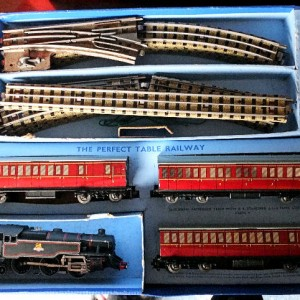 Jul 235.15  - Hornby Duplo Electric Train Set 2-6-4 - No  EDP13  30013 (9)