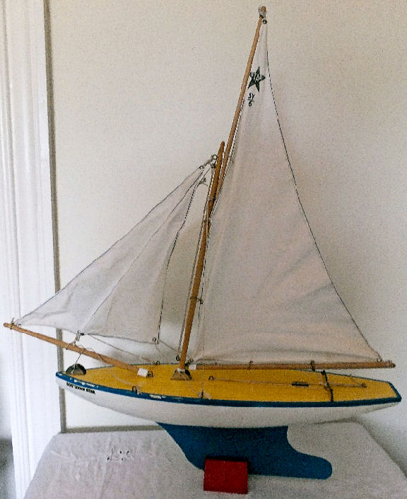 STAR PRODUCTIONS BIRKENHEAD SY/6 - POND YACHT - The Southern Star in Box :  New & Unused Condition - 1970/80's