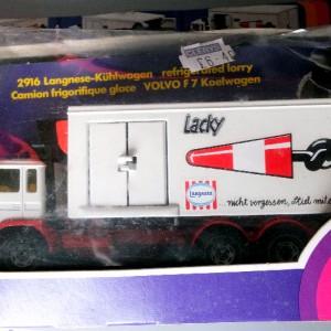 Jul 235.4 - Siku 2916 - Volvo Refigerated Truck (6)