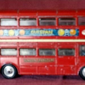PMA - 10 . Corgi 468 - Routemaster