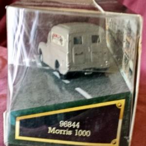 W50.24 - 820.7 Corgi 96844 . Morris 1000 Van . Maxwells (2)