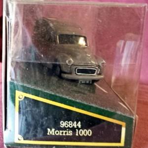 W50.24 - 820.7 Corgi 96844 . Morris 1000 Van . Maxwells (4)