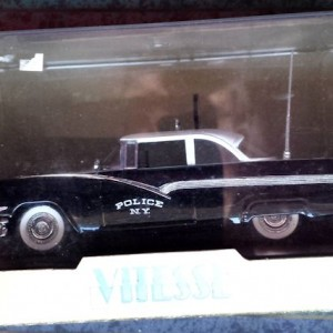 W273-1.2  - Vitesse L092  Ford Fairlane 1956 Radar -Black n White  (7)