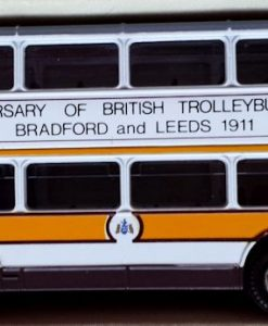 W285-5.2 -Corgi 91853 . The Yorkshire Rider Series Bradford & Leeds  75th Anniversary  (10)
