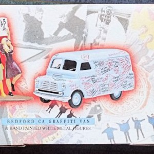 W50.2 - 672. 1 Corgi  05606 Beatles Bedford Graffiti Van (1)
