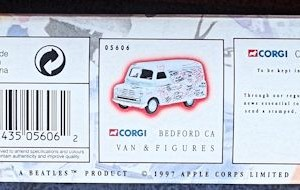 W50.2 - 672. 1 Corgi  05606 Beatles Bedford Graffiti Van (4)