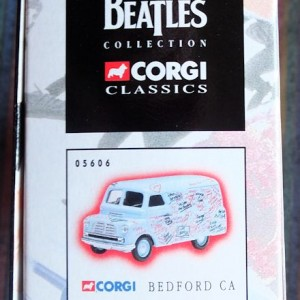 W50.2 - 672. 1 Corgi  05606 Beatles Bedford Graffiti Van (6)