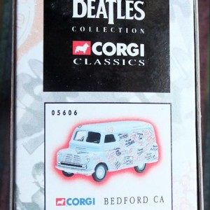 W50.2 - 672. 1 Corgi  05606 Beatles Bedford Graffiti Van (7)
