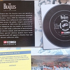 W50.2 - 672. 3 Corgi  22301 Beatles AEC Flatbed Lorry with Billboards  (12)