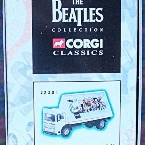 W50.2 - 672. 3 Corgi  22301 Beatles AEC Flatbed Lorry with Billboards  (7)
