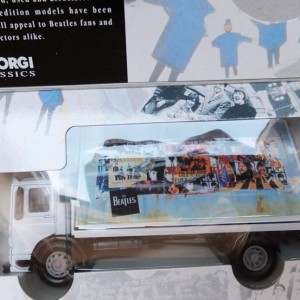 W50.2 - 672. 3 Corgi  22301 Beatles AEC Flatbed Lorry with Billboards  (9)