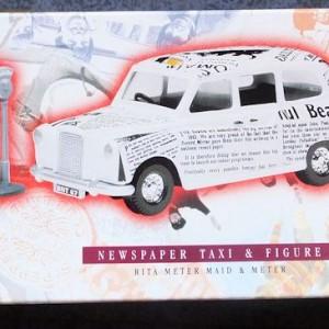 W50.2 - 672. 5 Corgi  58003 Beatles Newspaper Taxi   (1)