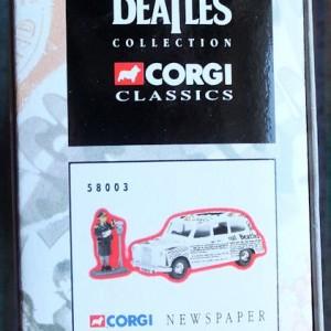W50.2 - 672. 5 Corgi  58003 Beatles Newspaper Taxi   (8)