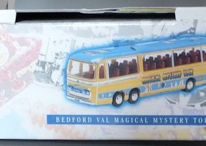 W50.2 - 672.2 Corgi  35302 Beatles Bedford Val Magical Mystery Tour Bus  (2)