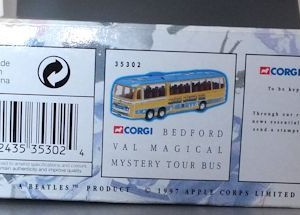 W50.2 - 672.2 Corgi  35302 Beatles Bedford Val Magical Mystery Tour Bus  (4)