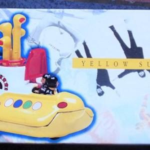 W50.2 - 672.4 Corgi 05401 Beatles Yellow Submarine  (1)