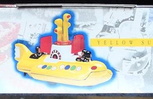 W50.2 - 672.4 Corgi 05401 Beatles Yellow Submarine  (2)