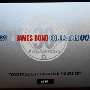 W50.21- 674.5-James Bond Collection Toyota 2000GT and  Blofeld  (10)